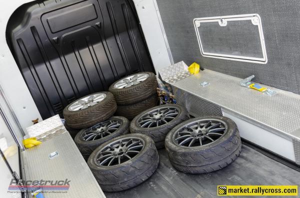 Racetruck – Enclosed Race Car Transporter