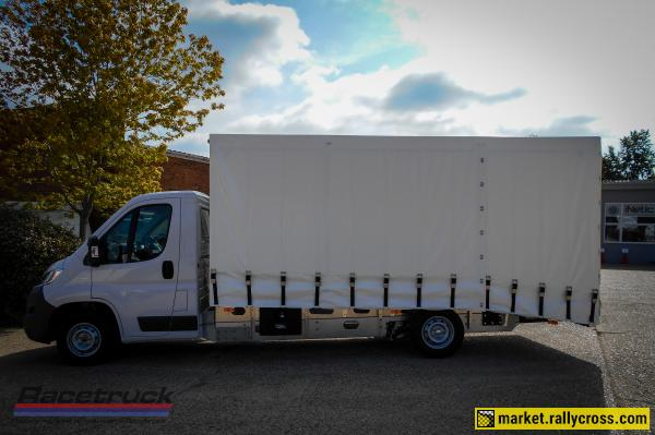 Racetruck – Covered Car Transporter