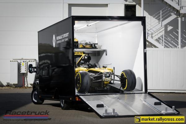 Racetruck – Enclosed F1 Race Car Transporter